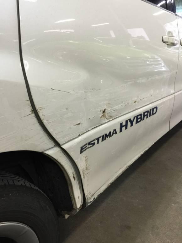 トヨタ エスティマ AHR10 鈑金塗装修理