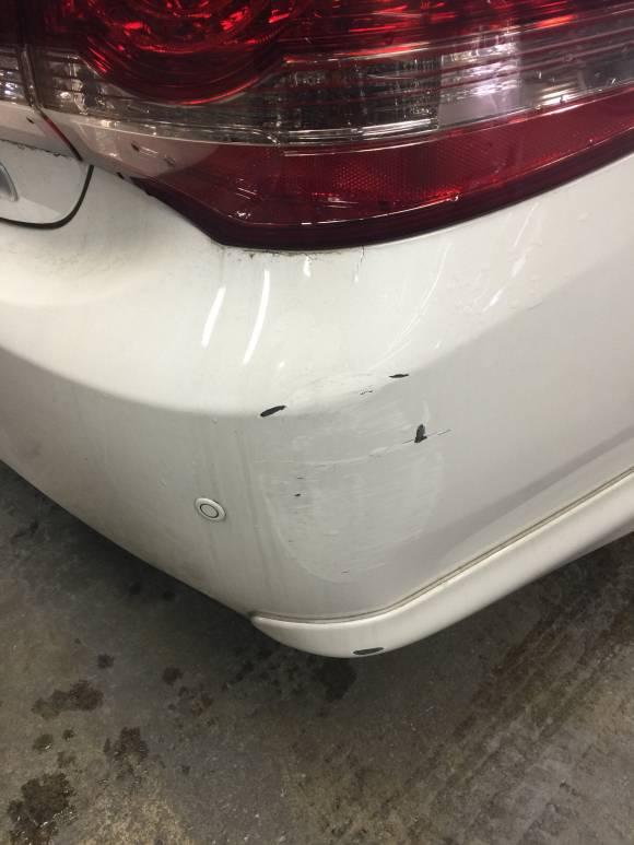 トヨタ 200系 クラウンハイブリット キズへこみ 板金塗装修理