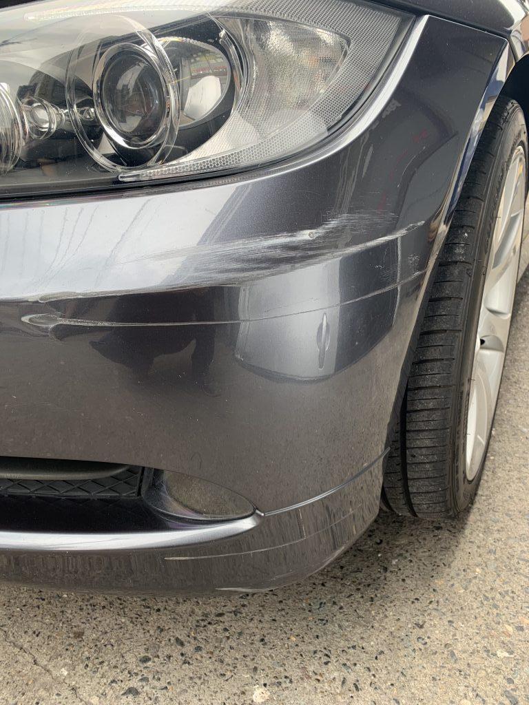 BMW E90 3シリーズ フロントバンパー キズへこみ 修理