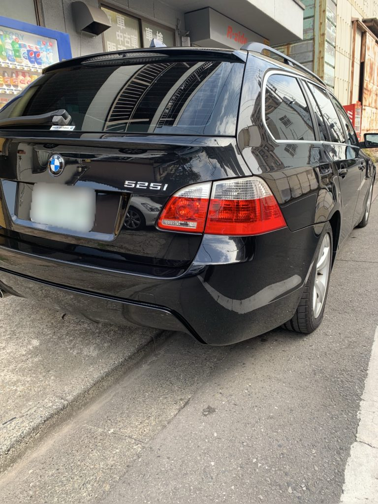 BMW 5シリーズツーリング E61 Mスポーツリヤバンパーへ交換
