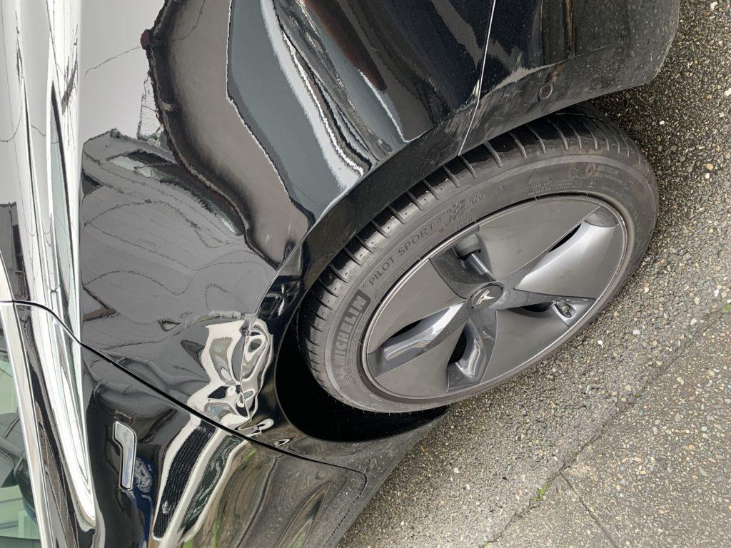 テスラ モデル3 キズへこみ 板金塗装修理