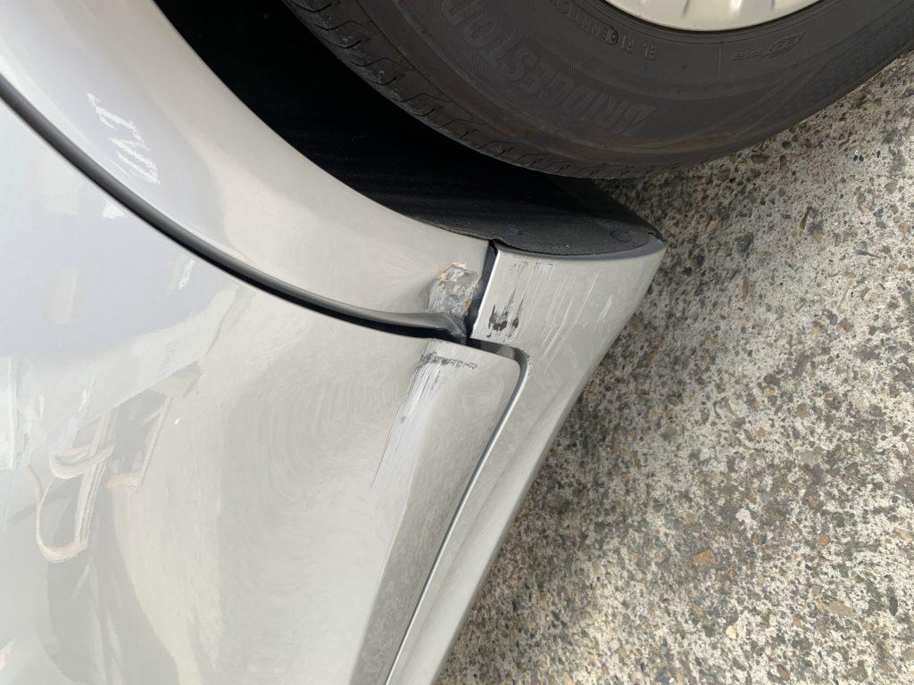 トヨタ クラウンハイブリッド AWS210 キズへこみ 板金塗装修理